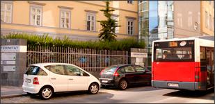 Eingang zum Ordinationszentrum der Confraternität Privatklinik Wien